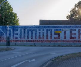 Begrüßung der Besucher in Neumünster